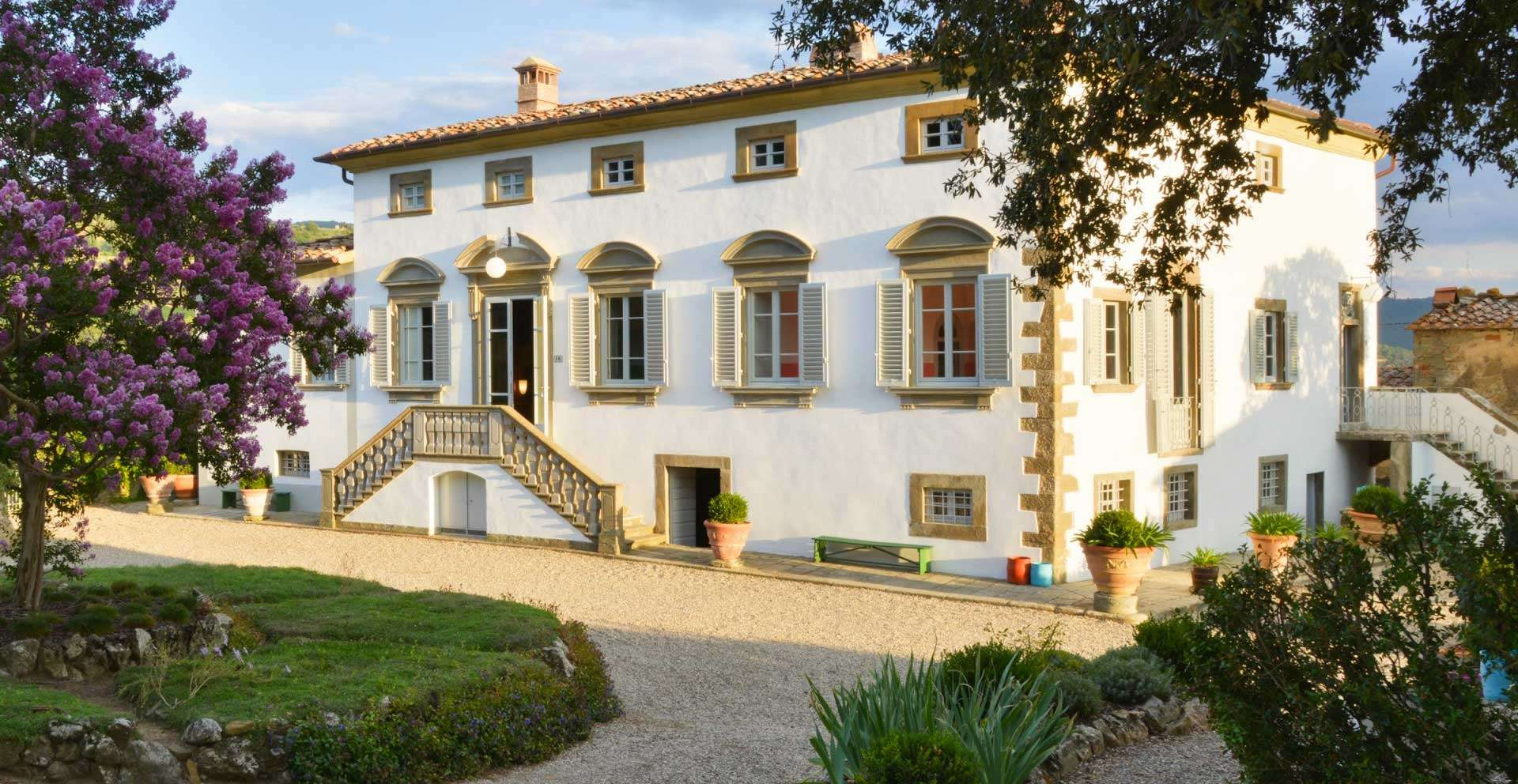 Villa Caprolo, elegant 17th century Luxury villa with a private pool, climatized bedrooms and luxury bathrooms within walking distance of Greve in Chianti, Tuscany, Italy.