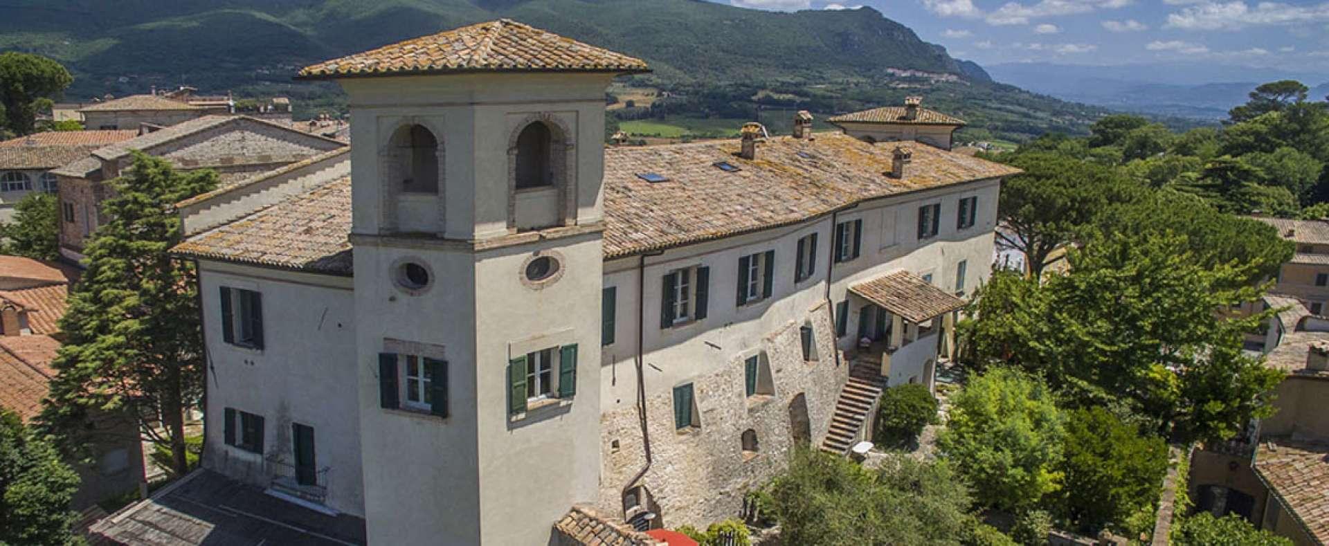 Santi Terzi villa